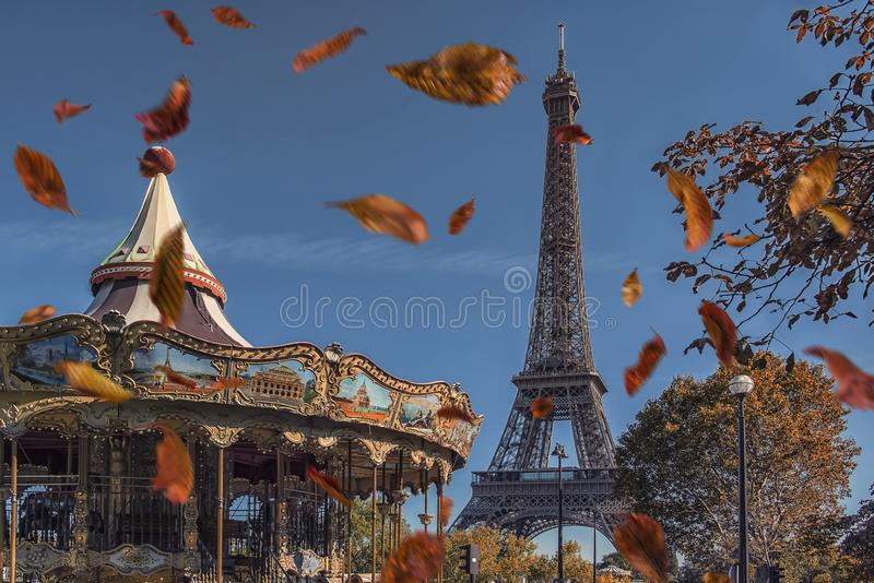 Город Парижа в осени стоковое фото rf