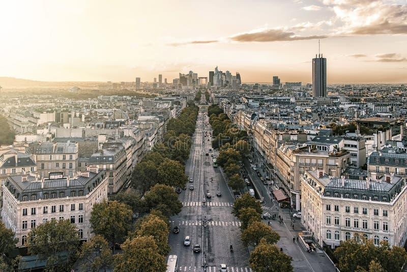 Город Парижа на заходе солнца стоковое фото rf