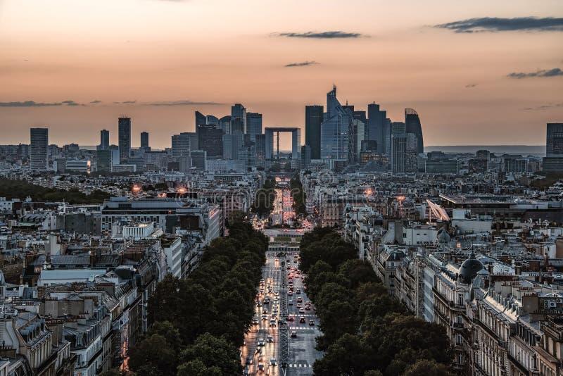 Город Парижа на заходе солнца стоковая фотография rf