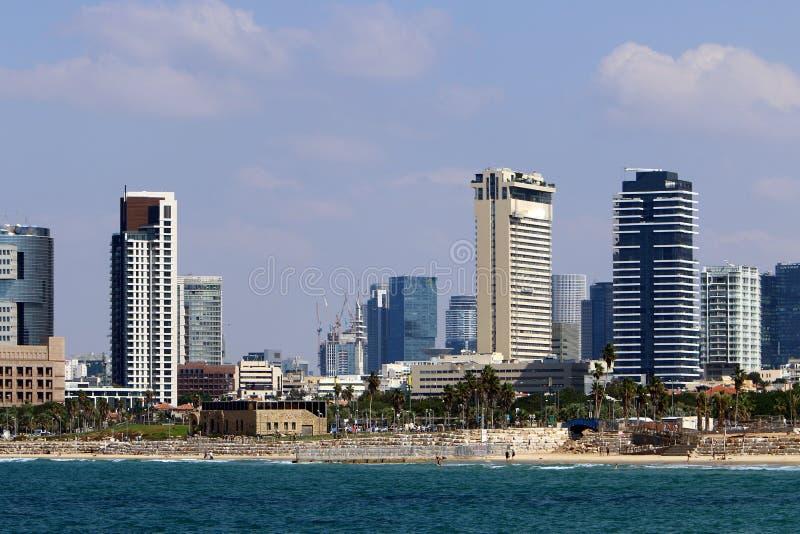 Город Тель-Авив морем стоковые изображения rf