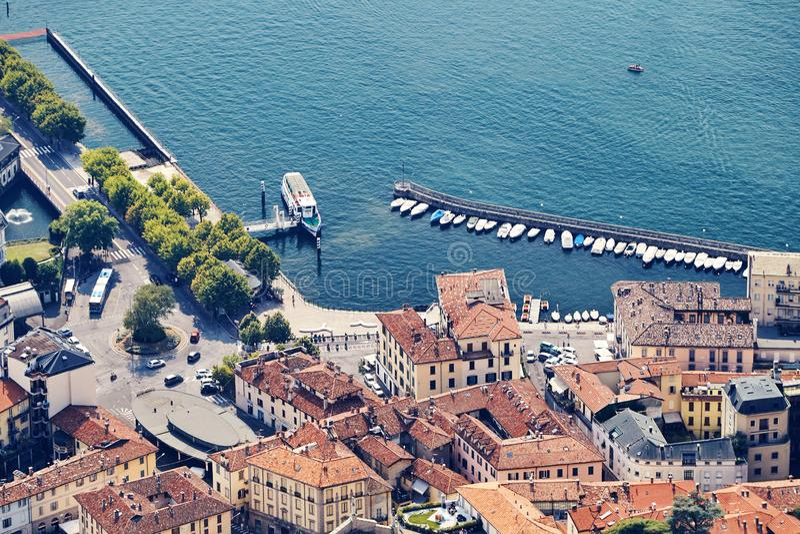 Город Como меньшие порт и старые здания стоковые фотографии rf