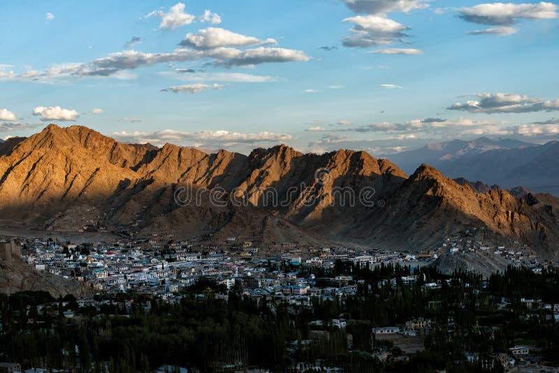 Город ladakh Leh в вечере стоковое фото rf