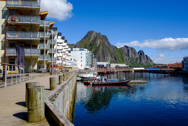 Город Svaelvard в северной Норвегии стоковая фотография rf