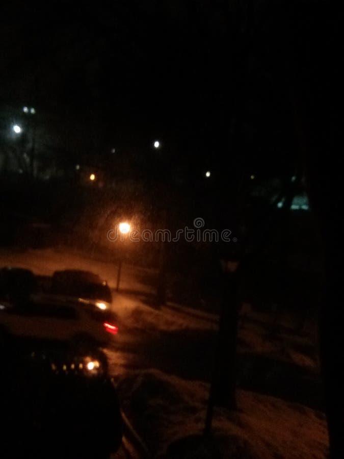 Город автомобиля снега ночи темный стоковые изображения rf
