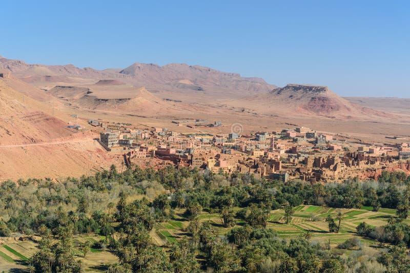 Город взгляда города и оазиса Tinghir Марокко стоковое фото rf