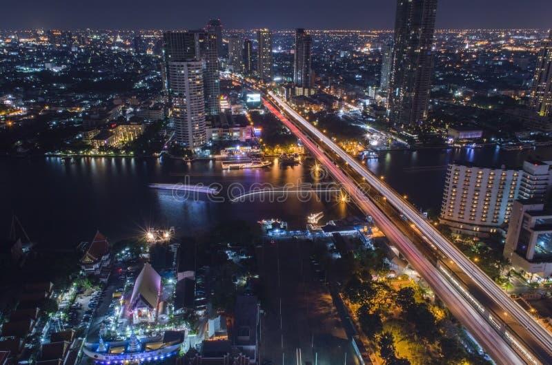 Город в ноче стоковое изображение rf