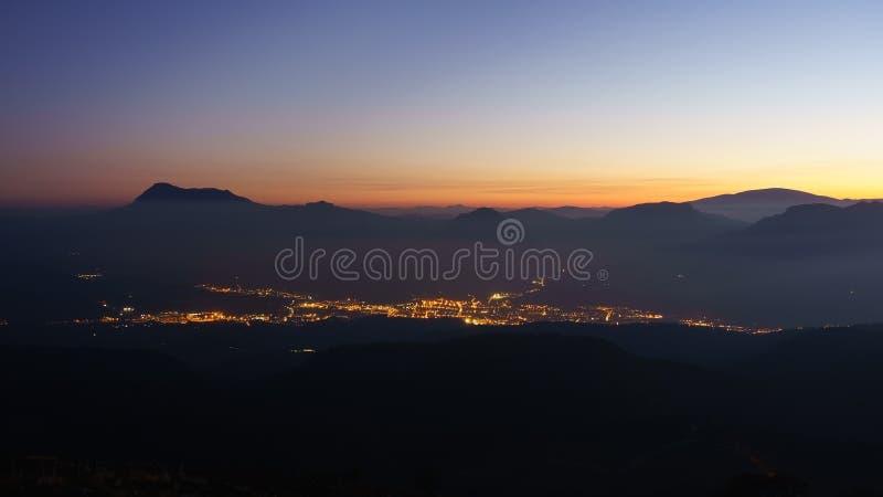 Город Дуранга на ноче стоковое фото rf