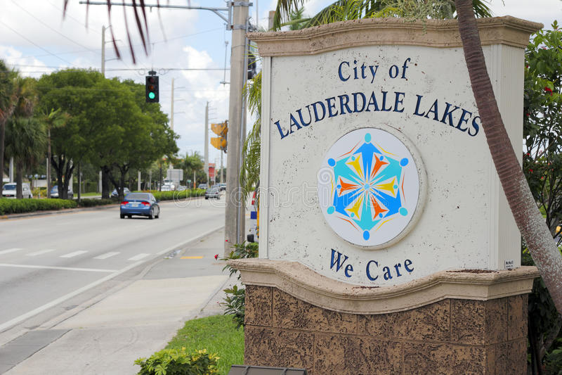 Город знака озер Lauderdale стоковые фотографии rf