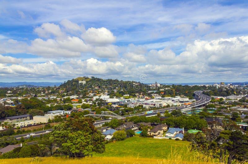 Город и городской взгляд ландшафта от Mt Hobson Окленда Новой Зеландии стоковое изображение