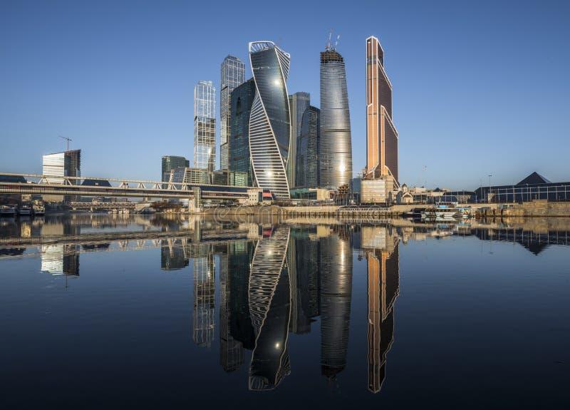 Город Москвы делового центра на восходе солнца стоковая фотография rf