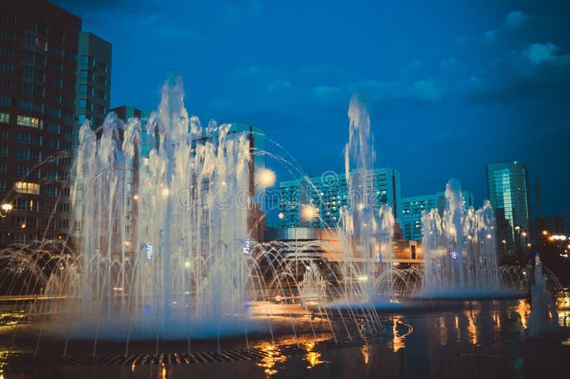 Город ночи русский Новокузнецка стоковые изображения