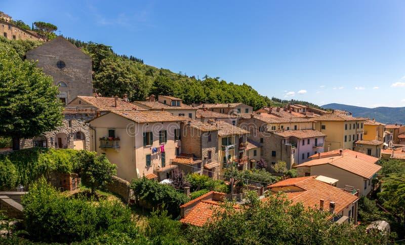 Городок Cortona tuscan стоковые фотографии rf