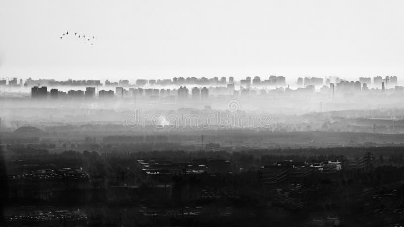 Город Пекина с тяжелым загрязнением стоковое фото rf
