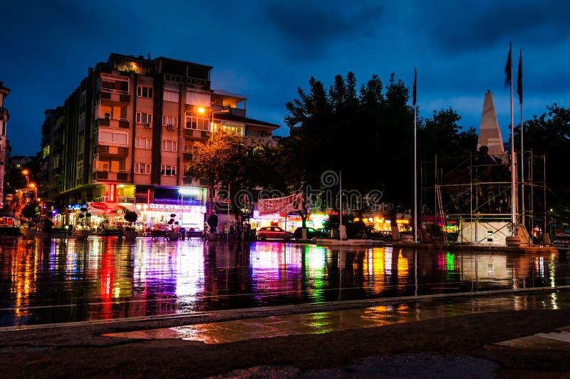 Городская площадь после дождя стоковая фотография