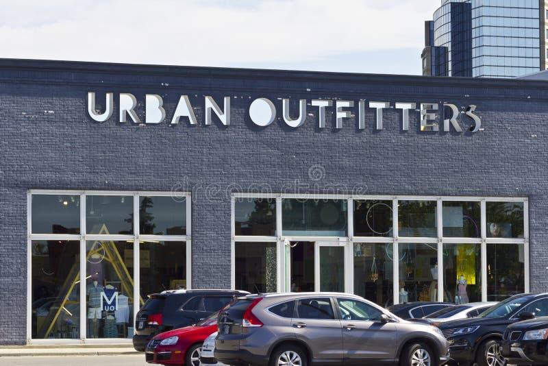 Городские Outfitters продают положение в розницу II стоковые изображения