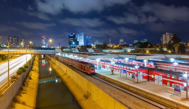 Городской взгляд ночи Тель-Авив стоковая фотография rf