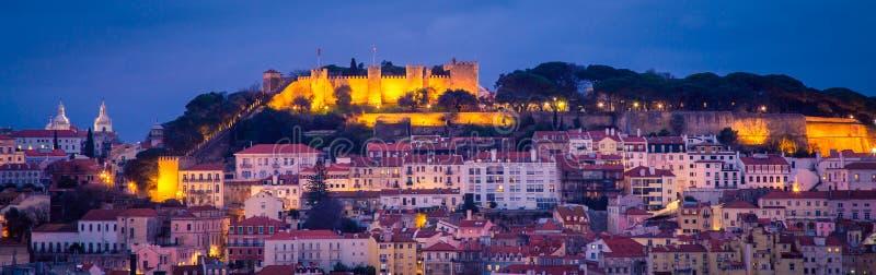 Городской пейзаж Лиссабон на ноче стоковая фотография rf