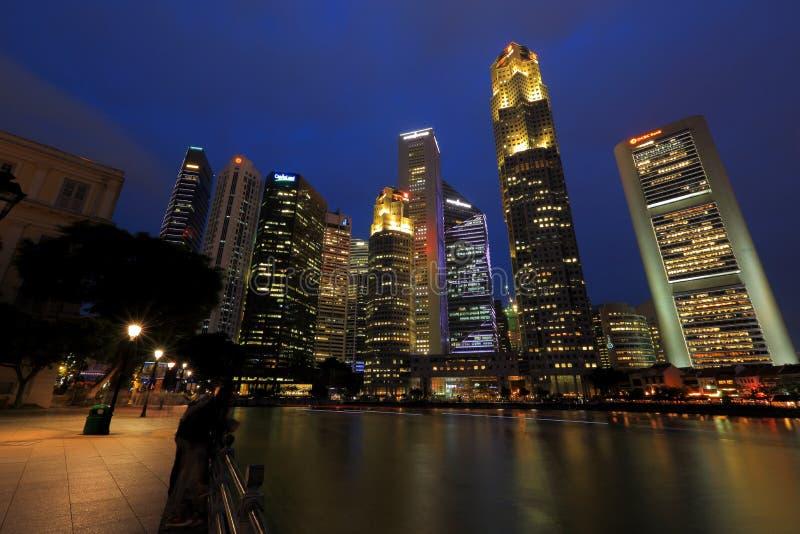 Городской пейзаж Сингапура в вечере стоковое изображение rf