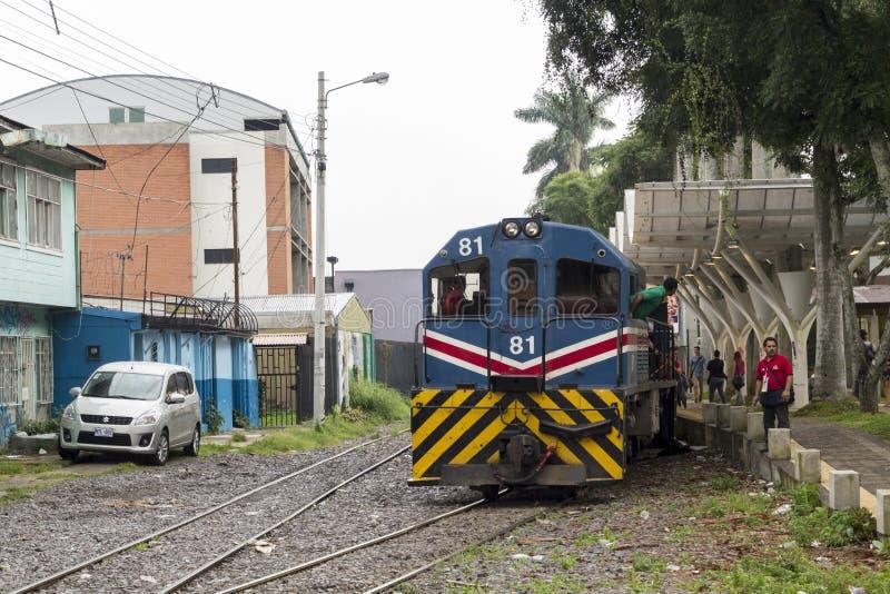 Городской поезд в Сан-Хосе Коста-Рика стоковые изображения