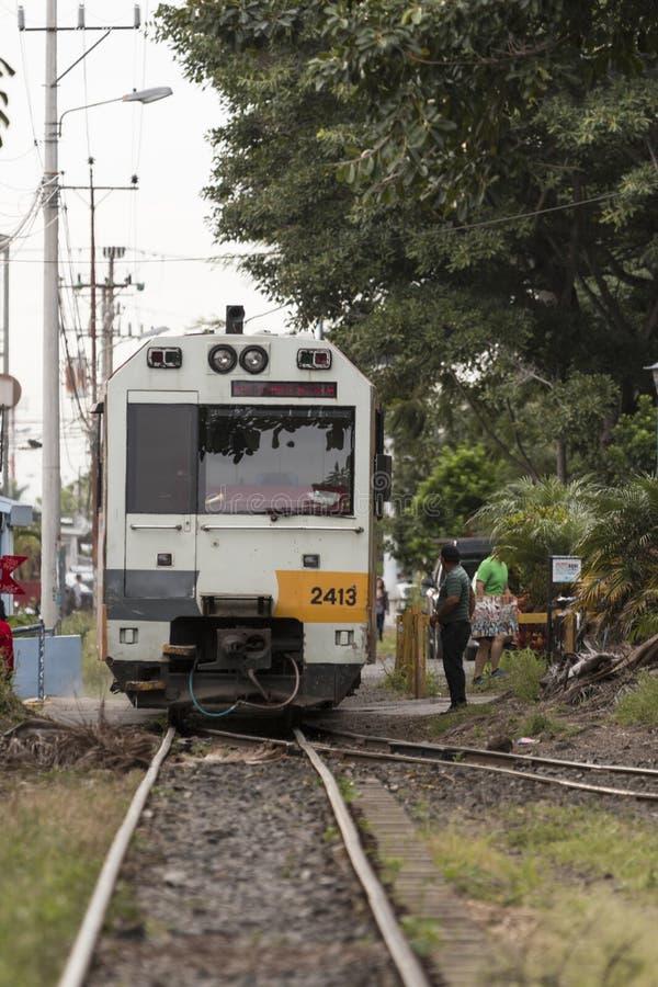 Городской поезд в Сан-Хосе Коста-Рика стоковые фотографии rf