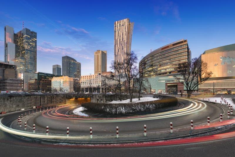 Городской финансовый центр Варшавы в Варшаве во время времени сумрака стоковые фотографии rf