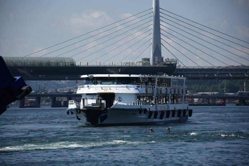 Город Стамбула, мосты Турции 2 стоковые фотографии rf