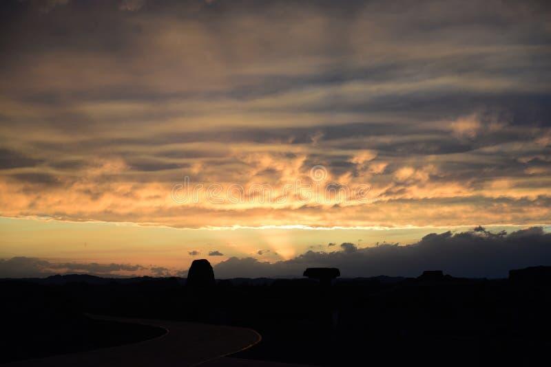 Город дьявола в заходе солнца Синьцзян-Уйгурский автономный район стоковые фотографии rf
