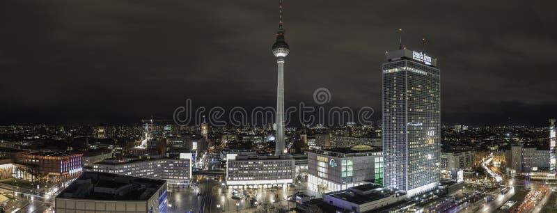 Город Llights Берлина стоковые изображения