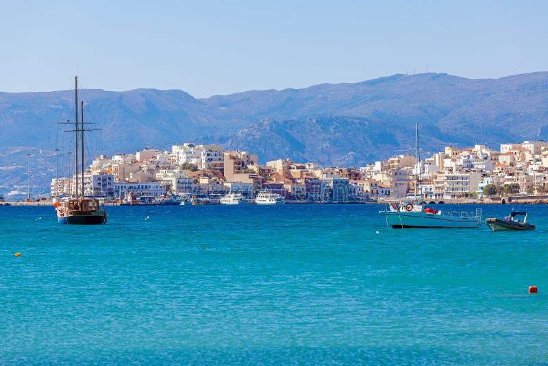Город Nikolaos ажио, Крит, Греция стоковое изображение