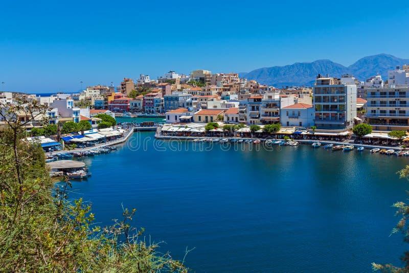 Город Nikolaos ажио, Крит, Греция стоковые изображения