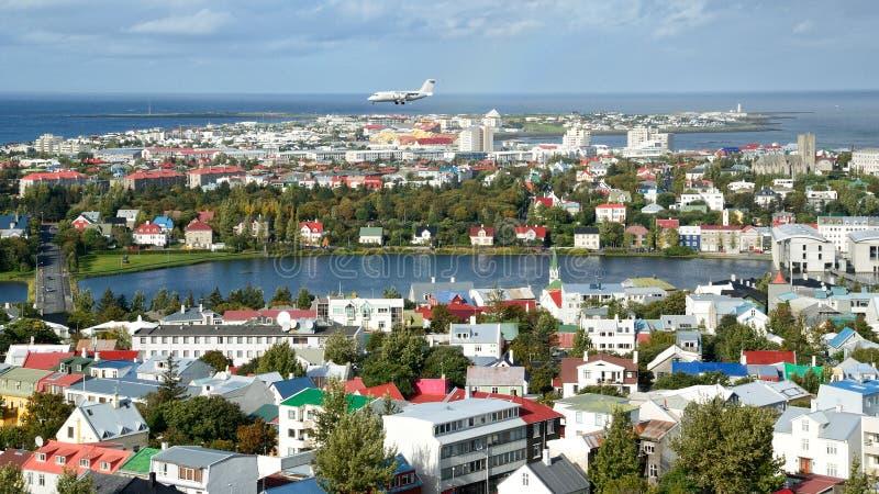 Город Reykjavik красочный стоковое фото rf