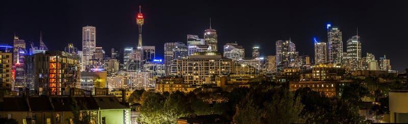 Город Scape Сиднея на ноче стоковое фото