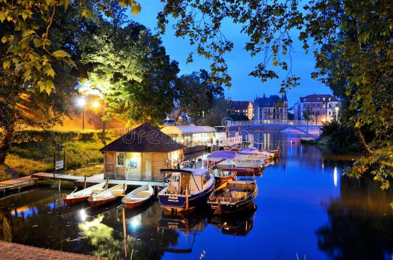 Город Wroclaw к ноча стоковые изображения