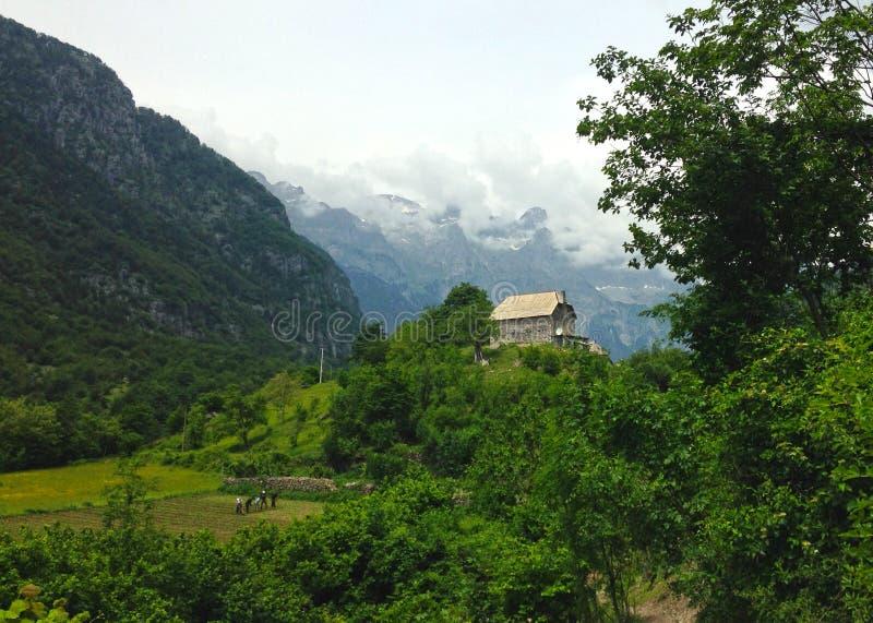 Горы албанских Альп стоковое изображение