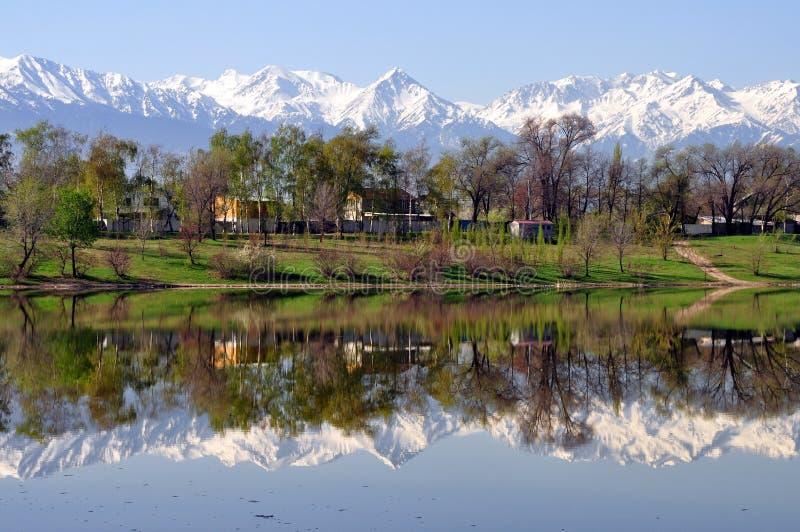 Горы Алма-Аты Казахстана стоковые фото