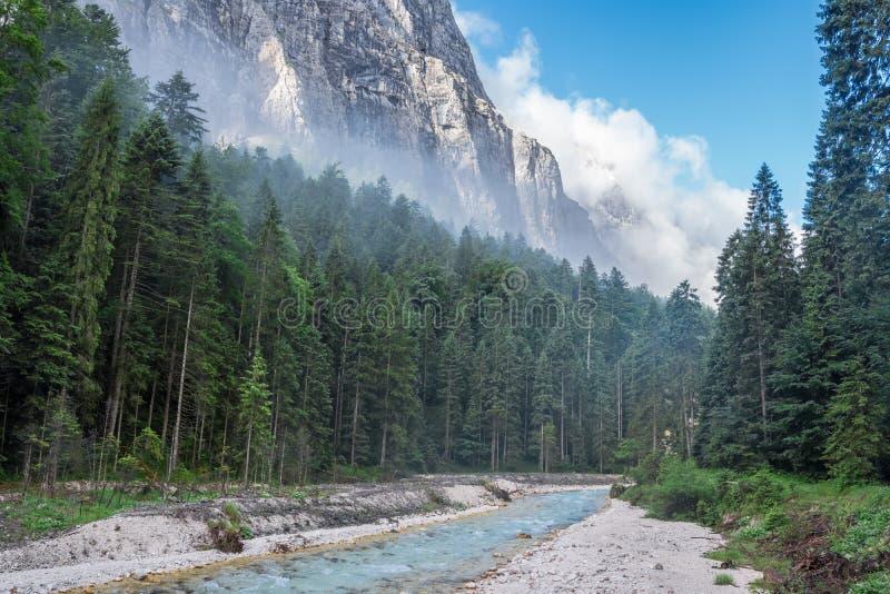 Горы Альпов в Баварии, Германии стоковое фото