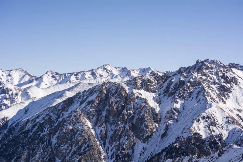 Горы в Алма-Ате стоковые фото