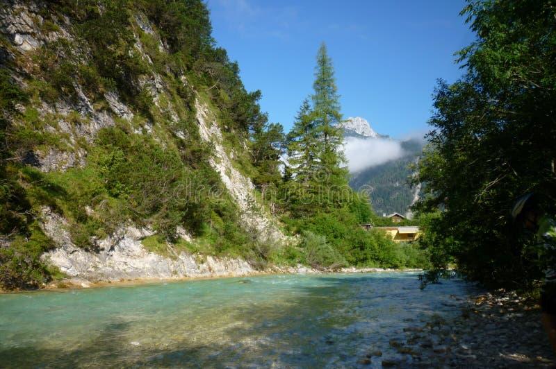 Горы в Альпах стоковая фотография rf