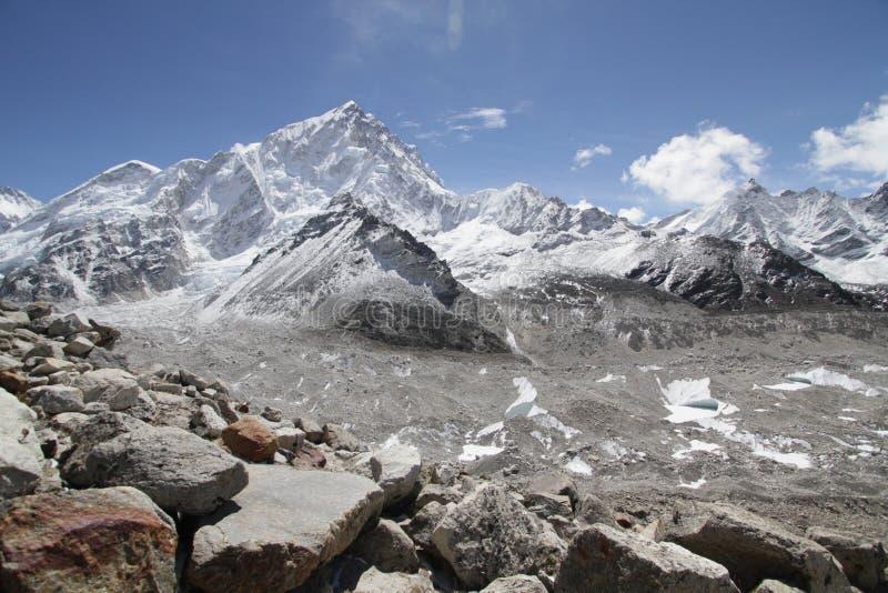 Горы в Непале стоковая фотография