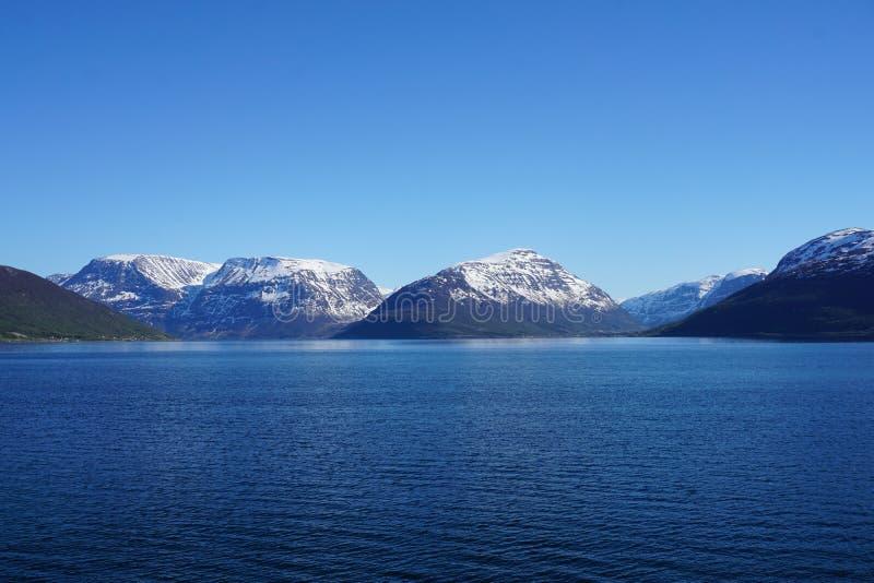 Горы в Норвегии стоковые фотографии rf