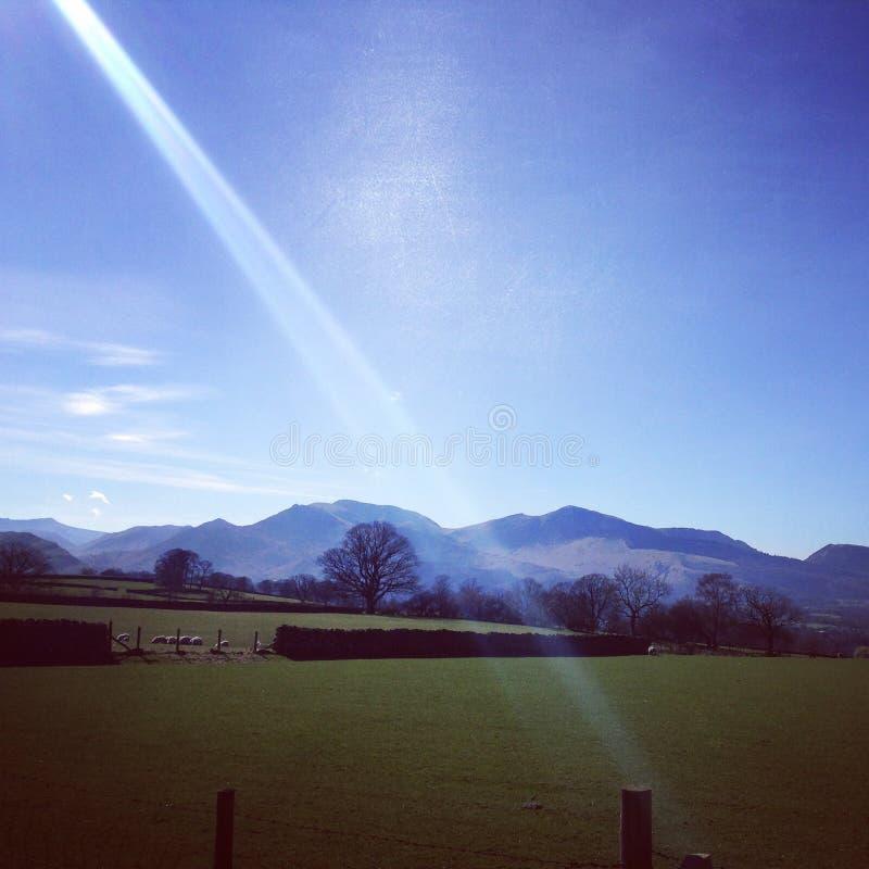 Горы в сельской местности стоковое изображение rf