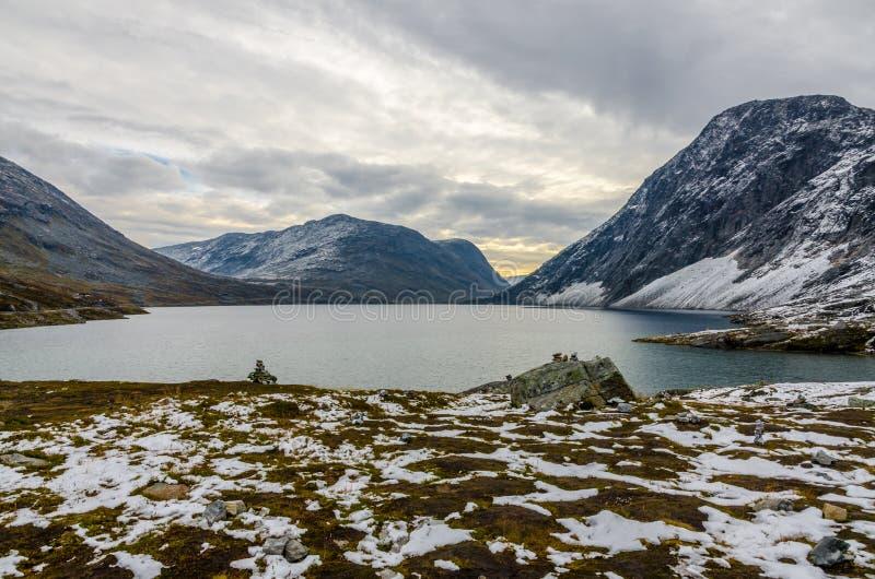 Download горы горы озера Lac De Франции Creno Корсики корсиканские Стоковое Фото - изображение насчитывающей рассвет, bluets: 81808230