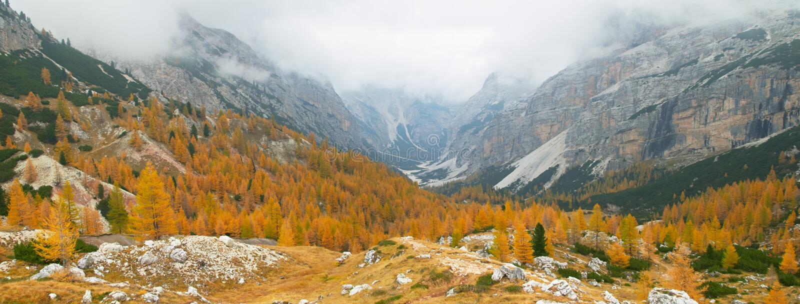 горы доломитов осени стоковое фото rf
