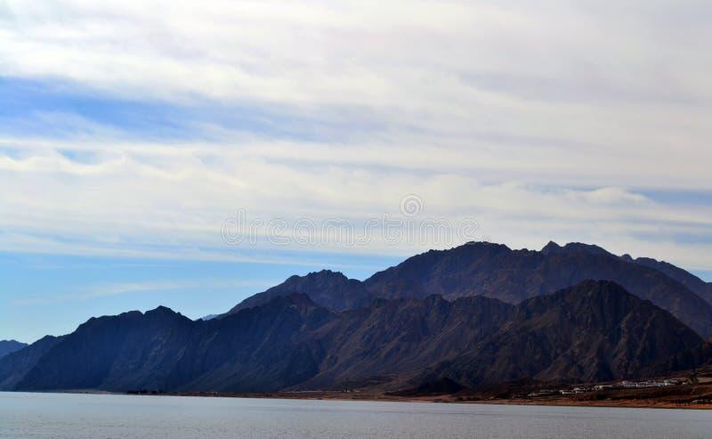 Горы - Египет - Dahab - море стоковое фото rf