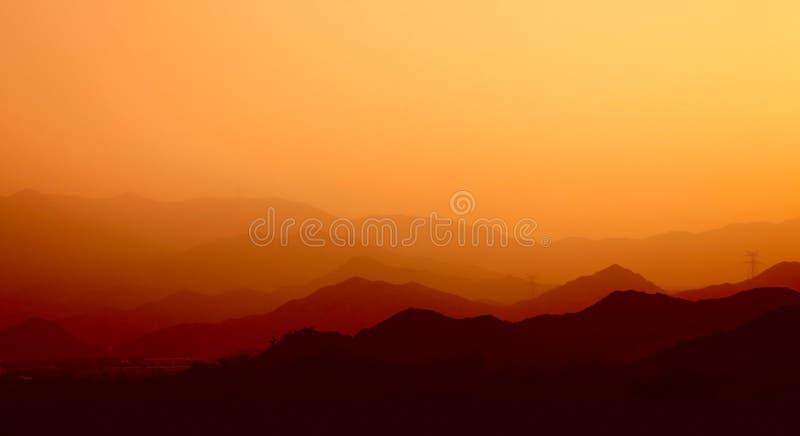 горы закоптелые стоковые изображения