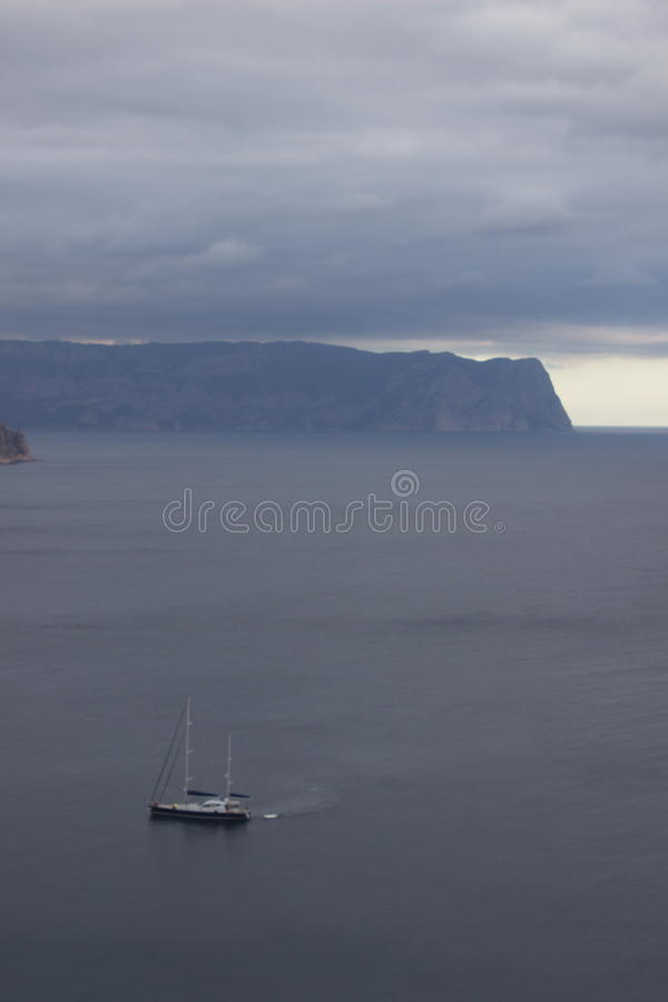 Горы и ландшафт моря стоковое фото rf