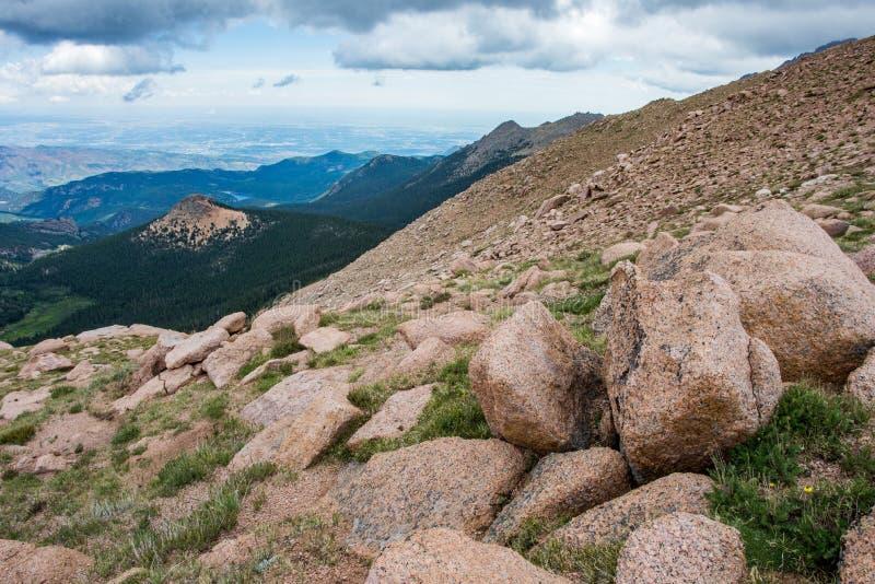 Горы Колорадо щук пиковые скалистые стоковые изображения rf
