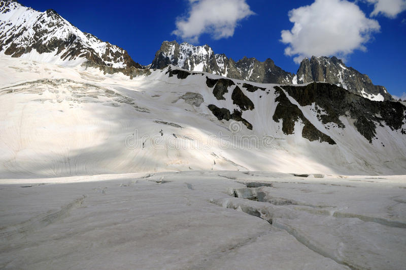 Горы Кыргызстана Alatau стоковые изображения rf