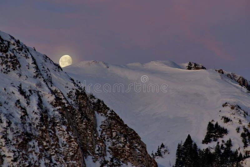 горы луны сверх стоковое изображение rf