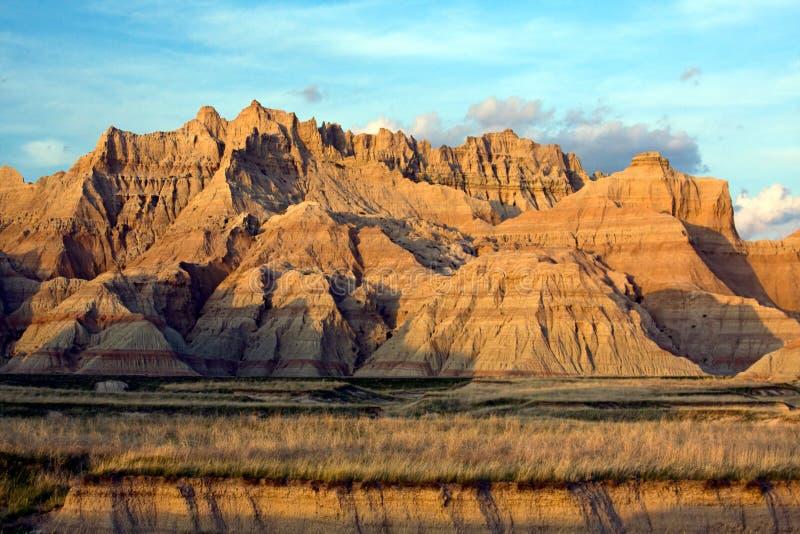 горы над заходом солнца стоковая фотография rf